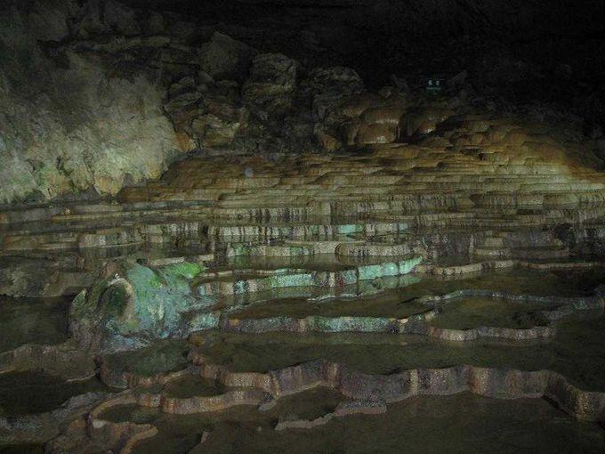 地下100mの迷宮にご招待!日本最大級の巨大鍾乳洞「秋芳洞」