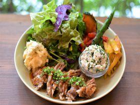 沖縄の旬島野菜たっぷりごはんを味わう!那覇「オレンジキッチン」