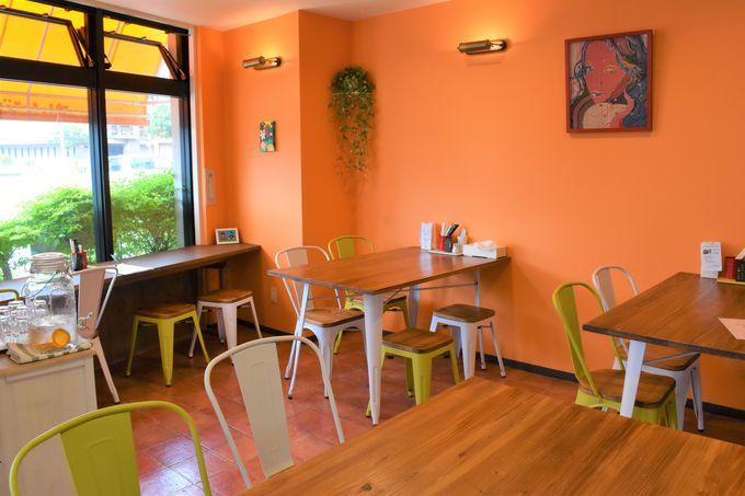 那覇市のメインストリート、国際通りにある「オレンジキッチン」