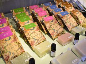 沖縄天然素材のパワー凝縮!「ラ クッチーナ」のハンドメイド石鹸