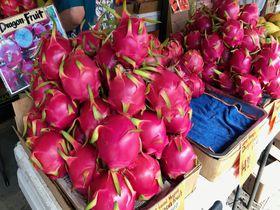 夏のハワイで、色鮮やかな旬の絶品トロピカルフルーツを味わおう!