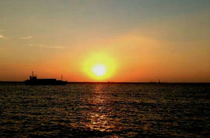 夕日を見るなら高雄港で!