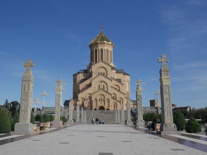 街の中心は聖なる教会「サメバ教会」