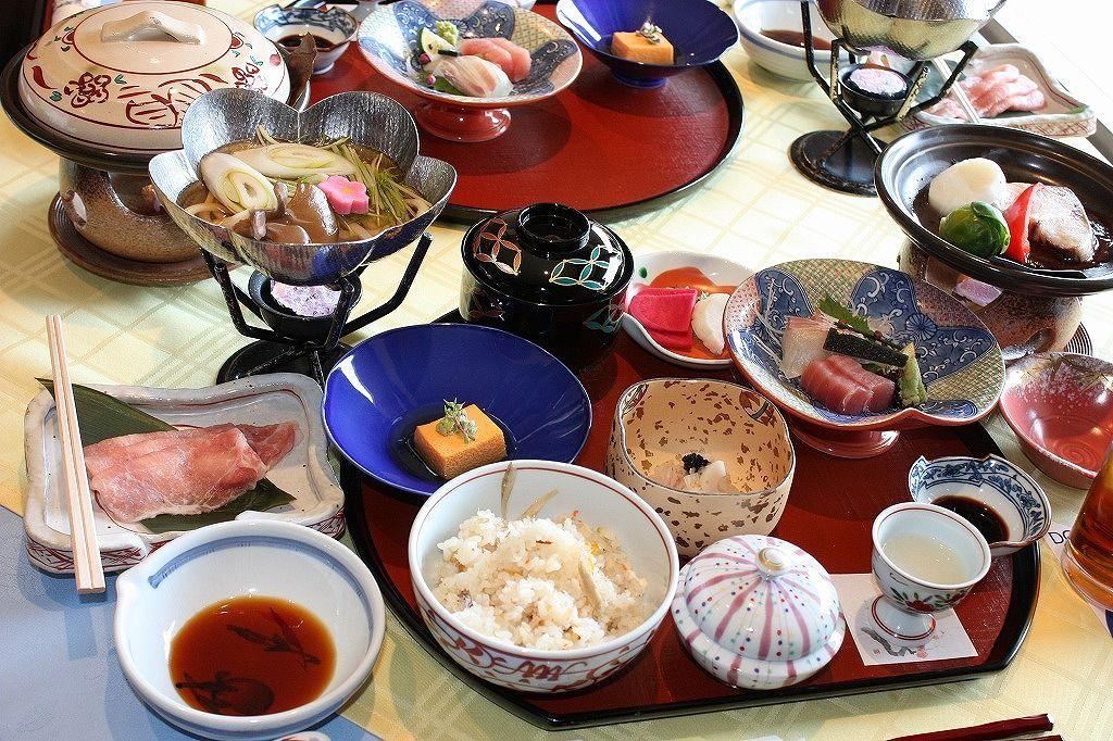 和風懐石の締めに登場!「鯛めし」は瀬戸内名物料理です。