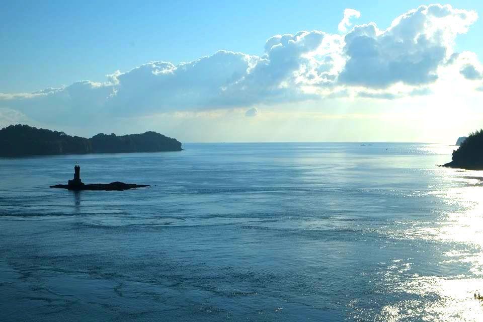 風光明媚な島の景色を十二分に楽しむ。