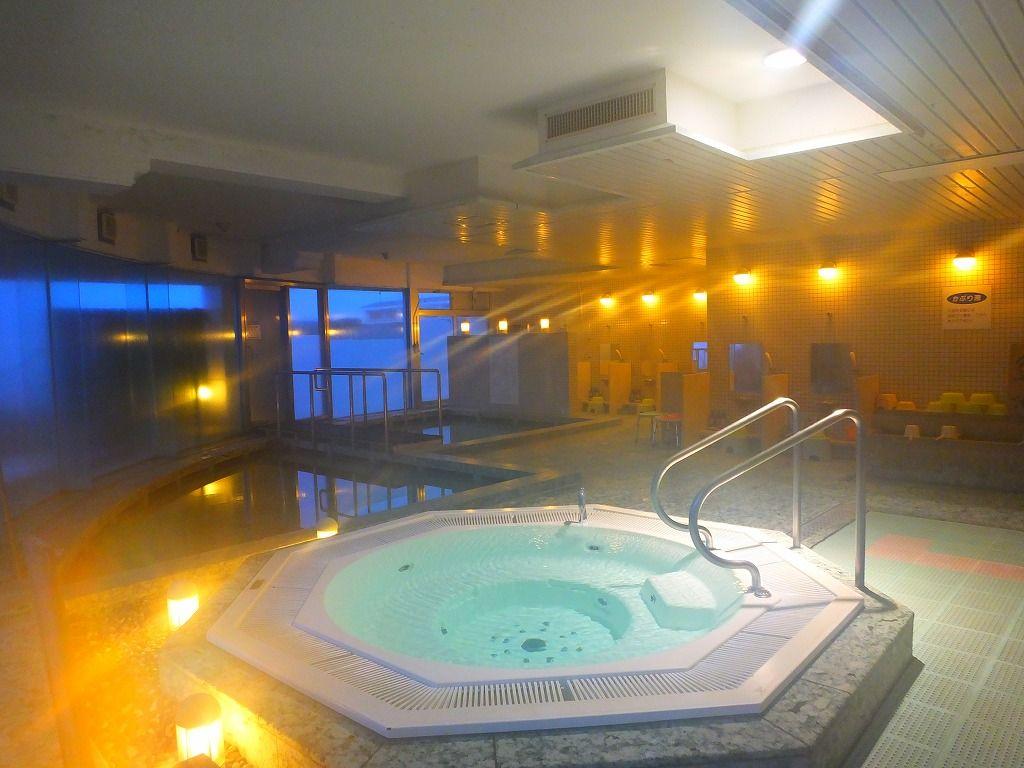 お肌ツルツル!最低2回は入りたい癒しの天然ラドン温泉。