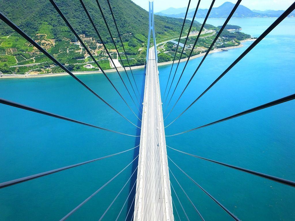 主塔最上部:多々羅大橋を上から見下ろす
