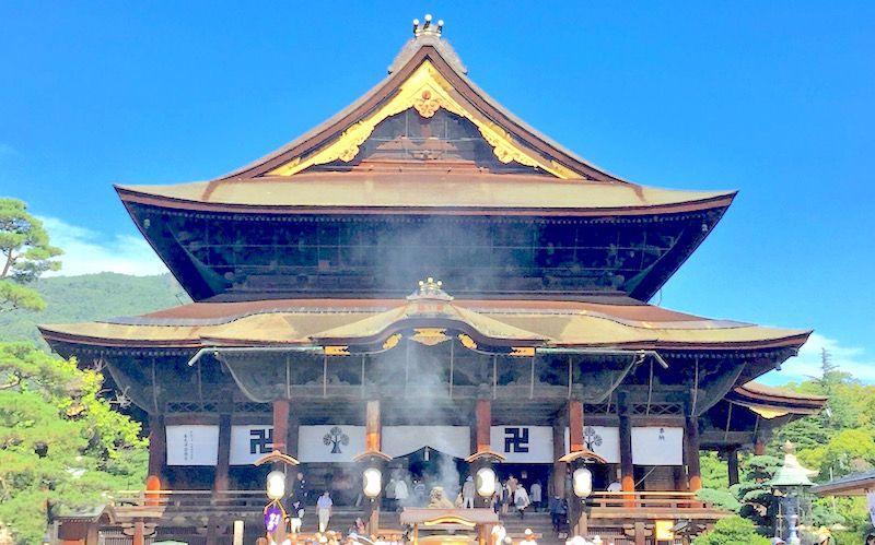 長野市の定番観光スポット、善光寺には御朱印がたくさん!