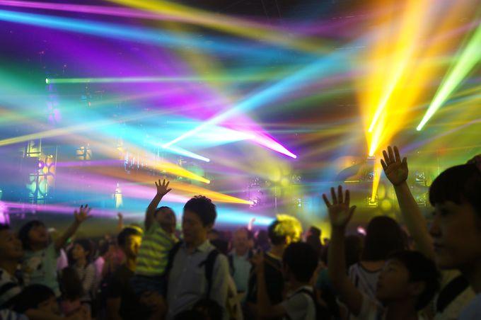 光と音の洪水!「ライトアート&ミュージックフェスティバル」