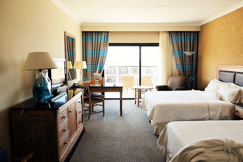 ホテルは4000円から!オフシーズンなら5つ星もリーズナブル