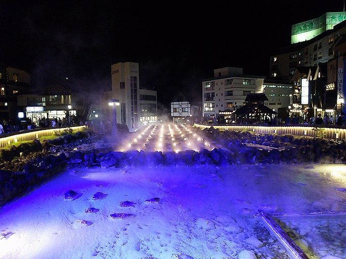 湯畑は草津温泉を代表する、唯一無二のシンボル