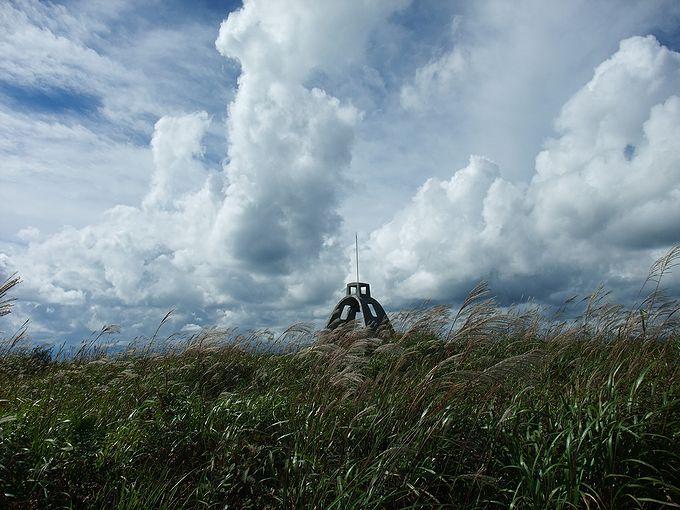 霧ヶ峰高原のシンボル的モニュメント、霧鐘塔の鐘を鳴らそう!