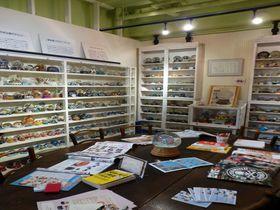 ガラスドームの中のアートな世界—世界でたった1つのスノードーム美術館が東京に!
