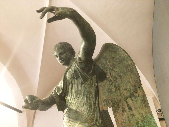 勝利の女神「ヴィットリア・アラタ」で勝利を願おう