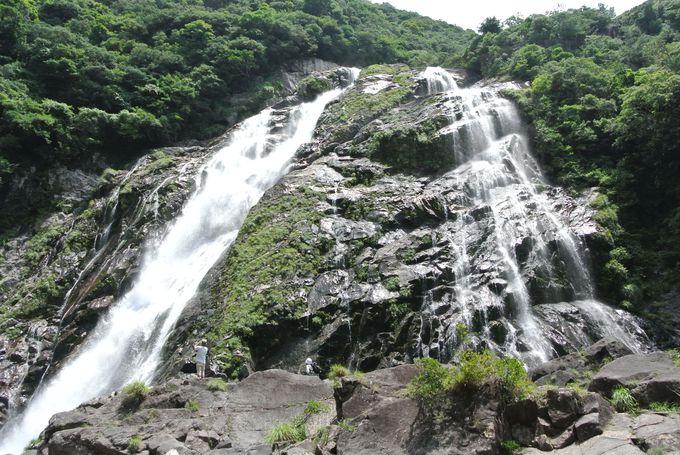3.「大川の滝」で全身にマイナスイオンを浴びよう!