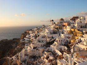 一生に一度の旅行先にギリシャ・サントリーニ島を