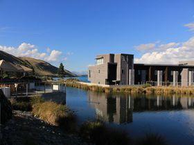 世界遺産級の星空を望むテカポ湖畔のリゾート・NZ「ペッパーズ ブルーウォーター リゾート」