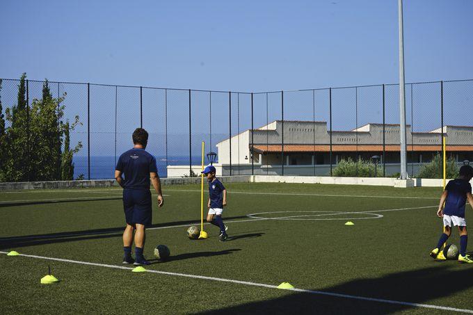 本格的なサッカーやテニス、卓球も楽しめる!
