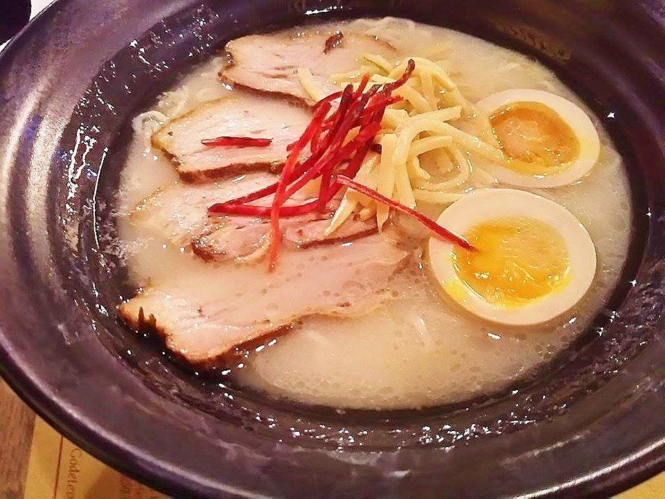 一番人気の「Miso ramen deluxe」と、ヨーロッパ初の「鶏パイタン」