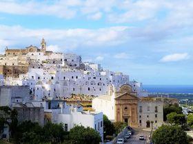 南イタリアの要塞都市「オストゥーニ」は白い迷宮