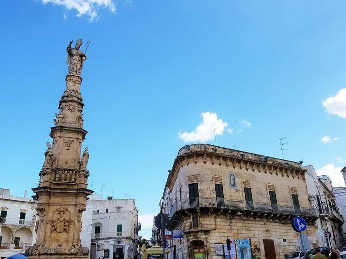 町の中心、リベルタ広場からアドリア海を一望
