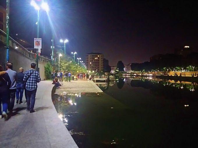 夜:ミラノ発祥のアペリティーボを楽しもう!