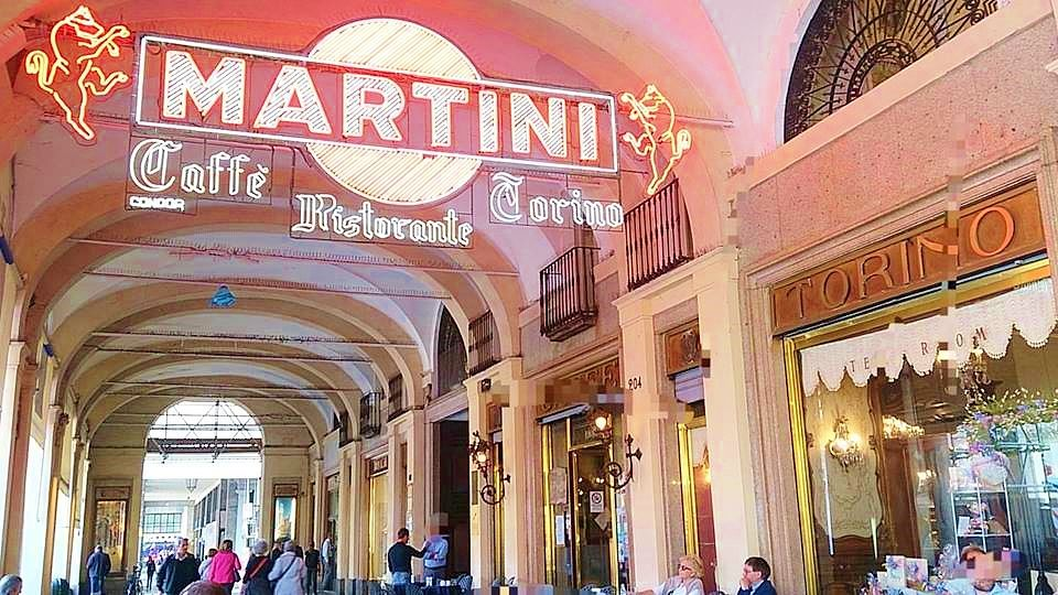 お昼:カフェ・トリノで、ピエモンテ州名物パスタ「アニョロッティ」
