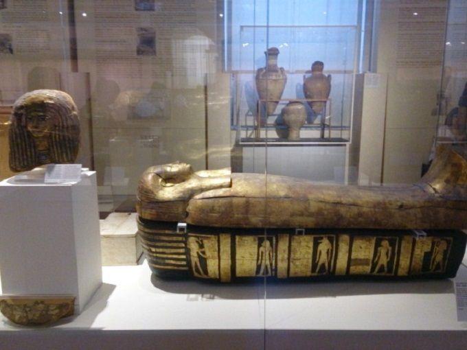 朝9時:ヨーロッパ最大級のエジプト博物館