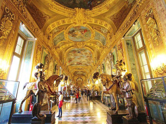 11時前後:サヴォイア家王宮と武器庫で知るトリノの繁栄