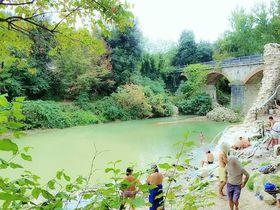 イタリアでここだけ!高温43度の天然温泉トスカーナ州「ペトリオーロ」