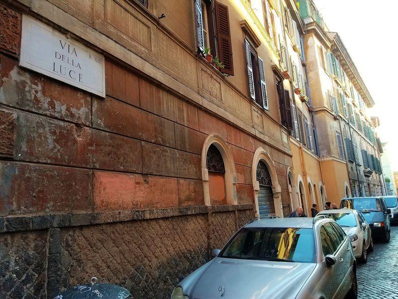 ローマの下町情緒溢れるトラステヴェレ地区へ