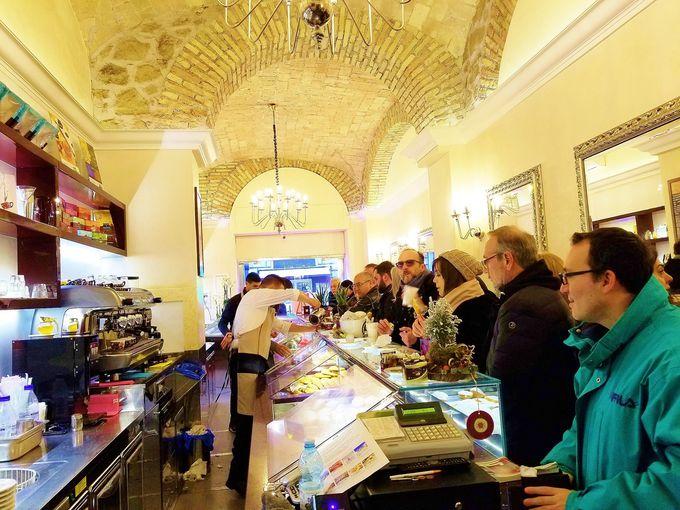 レーゴリは、ローマ名物パン「マリトッツォ」の有名店
