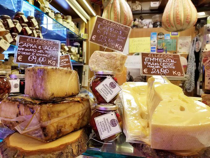 ステファノとシモーネのチーズショップ「ELLEESSE」