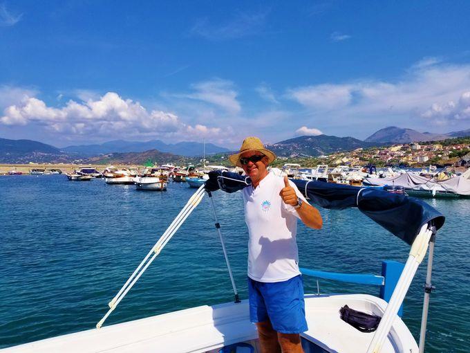 パリヌーロ港発!ボート周遊チレント海岸2時間の旅