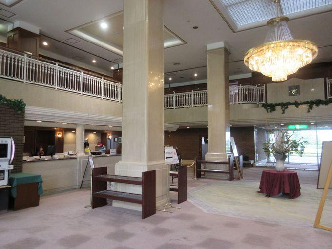 生駒山地にたたずむ「ホテル阪奈」