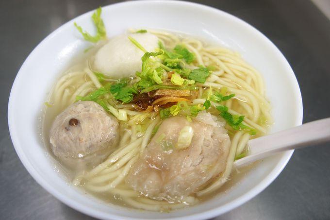 5.食感が癖になる!?「佳興魚丸店」の台湾つみれ麺