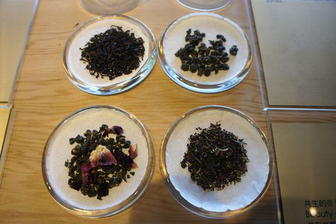 試飲をしながら好みの茶葉を選ぼう!