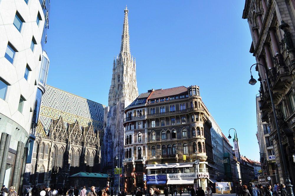 午後〜夕方:大聖堂と教会音楽、そして旧市街内を散策