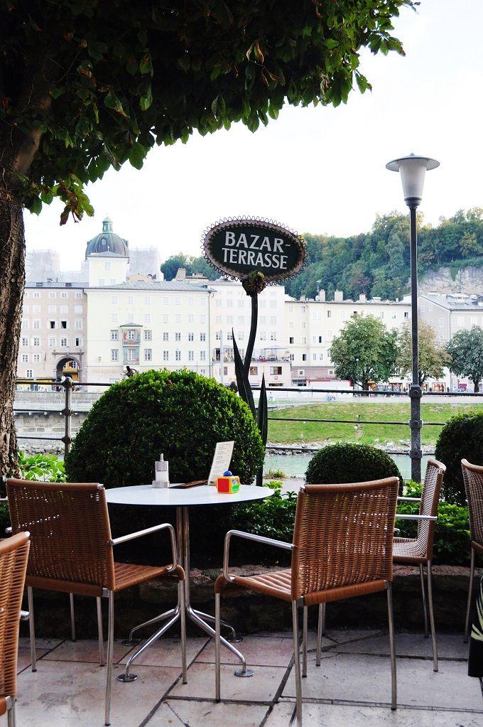 朝:宮殿散歩〜伝統的なカフェへ