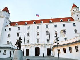 スロバキアの首都ブラティスラヴァへ!日帰り観光モデルコース