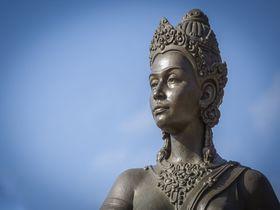 女王伝説をめぐる旅 古代王国の都として栄えた北タイ・ランプーン