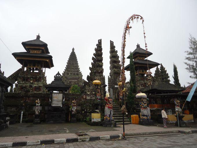 世界遺産「ウルン・ダヌ・バトゥール寺院」