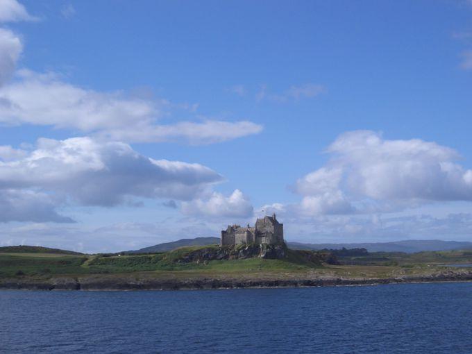 崖の上の絵になる古城、デュアート城
