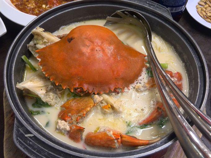 蟹のダシが絶品!クレイポットクラブビーフンスープ