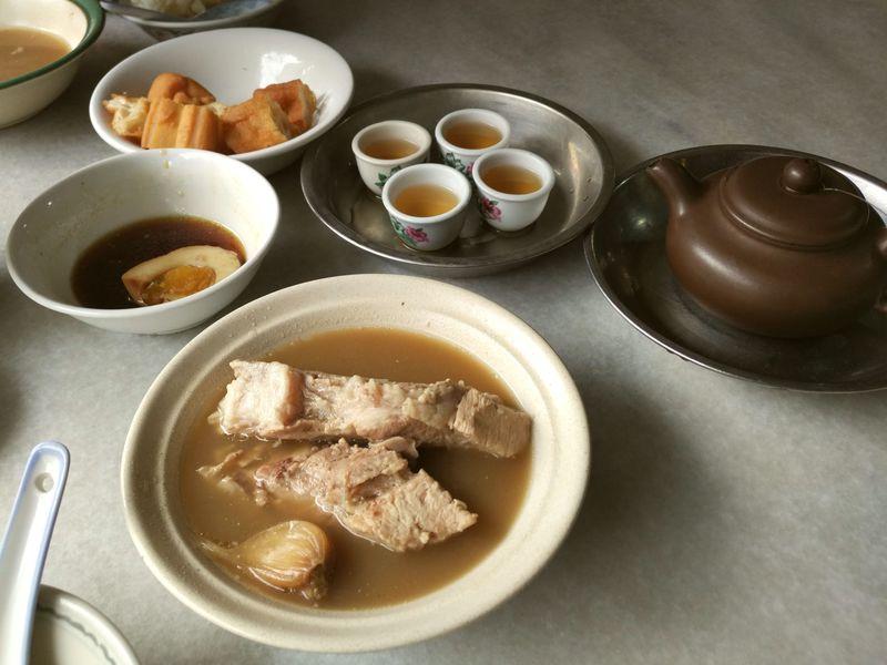 シンガポール有名バクテー店のお茶も買える!老舗中国茶店「白新春茶荘」