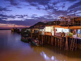 いつもと違う香港へ!水上家屋が並ぶレトロな漁村「ランタオ島・大澳」