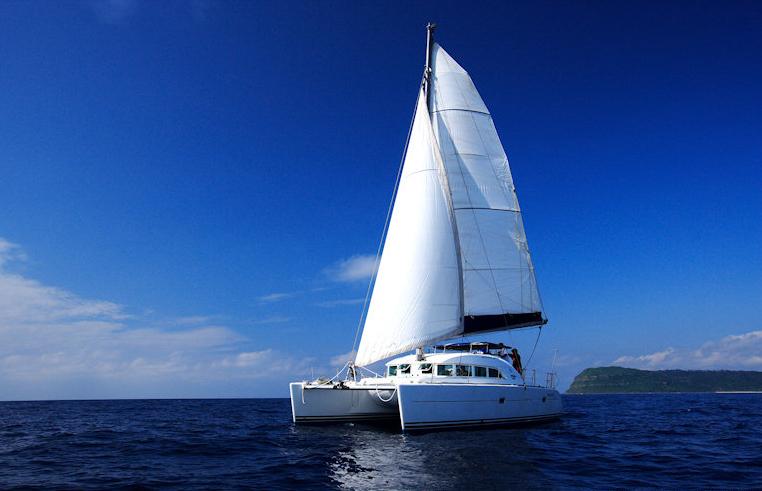 カタマランヨットで海へGO!