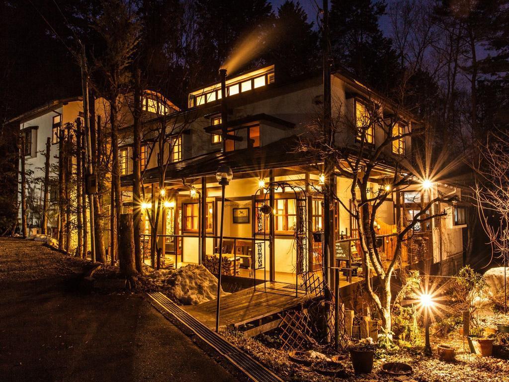 木立に囲まれたお洒落な建物にドキドキ!