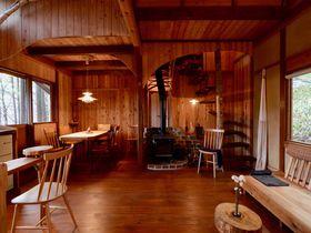 泊まれる小さな秘密基地!長野「Sanson Terrace ヨクサルの小屋」