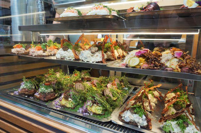 スモーブローやチーズ、新鮮野菜も売ってる市場「トーブハーレヌ」